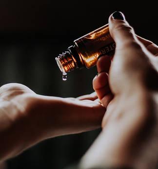 Das geht runter wie Öl: Tiefenpflege fürs Gesicht
