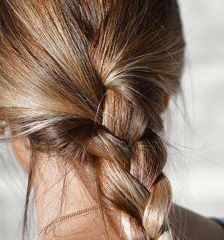 Shadow Tone: der neue Färbetrend für feines Haar