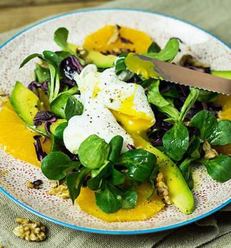 Vitamin-C-Bombe in Salatform